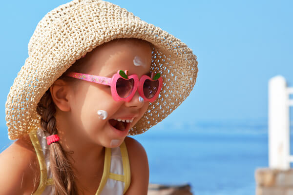Sun safety tips to protect babies, toddlers and children